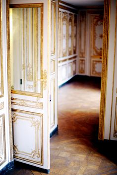 Inside Versailles: Marie Antoinette apartments.... Looks like the interior of Audrey Hepburn's house in Charade.