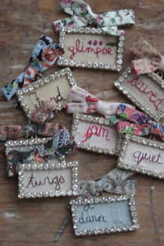 Brooches by Julie Arkell Jewelry Crafts, Jewelry Art, Handmade Jewelry, Jewellery, Textile Jewelry, Fabric Jewelry, Sewing Art, Sewing Crafts, Fabric Art