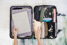 Pack with me! here's how i pack a carry on suitcase for a 4 day trip to seattle & olympic national park with my family. i still pack konmari style w/ Carry On Packing, Packing List For Travel, Packing Tips, Travel Tips, Travel Hacks, Travel Luggage, Travel Backpack, Travel Usa, Grammar School