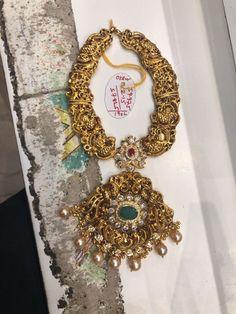 Gold Earrings Designs, Gold Jewellery Design, Gold Jewelry, Necklace Designs, Gold Necklaces, Jewelery, Gold Designs, India Jewelry, Jewelry Box