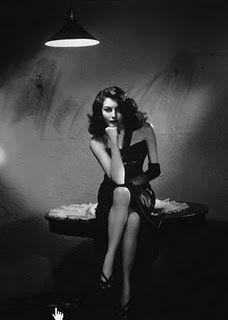 That's the kind of light I think of when I think film noir!
