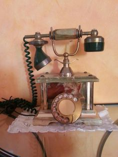 Teléfono 009