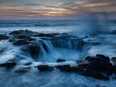 Seawater pours into Thor's Well near Cape Perpetua in Oregon in this National Geographic Photo of the Day. National Geographic Society, National Geographic Photography, National Geographic Photos, Turtle Images, Landscape Photographers, Land Scape, Trip Planning, Amazing Photography, Photography Ideas