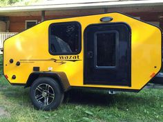 It won't be hard to find this one in a crowd ! Off Road Teardrop Trailer, Teardrop Camping, Teardrop Camper Trailer, Off Road Camper Trailer, Camper Caravan, Campers, Small Camping Trailer, Camping 3, Small Trailer