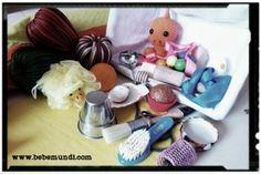 Cesto de los tesoros de Bebemundi. http://www.bebemundi.com/juegos/cesto-de-los-tesoros-objetos-y-materiales/