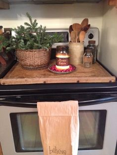 stove board noodle board bread board dough board love the look & texture. needs handles Primitive Kitchen, Rustic Kitchen, New Kitchen, Kitchen And Bath, Kitchen Dining, Kitchen Decor, Kitchen Ideas, Kitchen Tips, Stove Top Cover