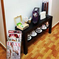 Para comenzar el fin de semana, en #HealthyBodyEstetica os proponemos un rinconcito para desconectar, café o infusión, una buena revista y a disfrutar!!  #vivehealthybody #centrodeestética #comienzaelfinde #desconectar #disfrutar #behealthy #torrejondeardoz