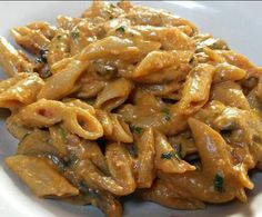 Penne ai funghi in sugo rosè by on www. Wine Recipes, Pasta Recipes, Cooking Recipes, Penne, Rigatoni, Pasta Dishes, Food Dishes, Popular Italian Food, Italian Food Restaurant