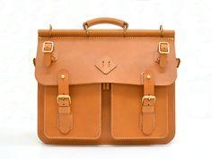 51ede5a9b2 大人の男性に寄り添うクラシックな本革トリップバッグ「革鞄のHERZ · Leather Messenger BagsLeather ...