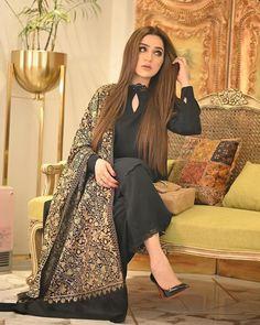 Simple Pakistani Dresses, Pakistani Fashion Casual, Pakistani Wedding Outfits, Pakistani Dress Design, Pakistani Models, Pakistani Actress, Wedding Dresses, Fancy Dress Design, Bridal Dress Design