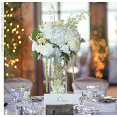 05202012 – White Floral Centrepieces