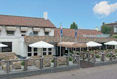 Hotel-Restaurant Prinsen  In het hart van het gezellige Brabantse dorpje Vlijmen ligt het befaamde Fletcher Hotel-Restaurant Prinsen. Geniet van de Brabantse gezelligheid in dit sfeervolle hotel. Het staat in de wijde omgeving uitstekend te boek vanwege haar zeer gerenommeerde restaurant. De Bourgondische keuken heeft met een jarenlange ervaring een grote schare trouwe gasten opgebouwd.  EUR 44.50  Meer informatie  #vakantie http://vakantienaar.eu - http://facebook.com/vakantienaar.eu…
