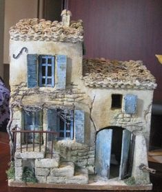 Batiment - Happy Christmas - Noel 2020 ideas-Happy New Year-Christmas Clay Houses, Ceramic Houses, Miniature Houses, Clay Fairy House, Fairy Garden Houses, Pottery Houses, Slab Pottery, Driftwood Art, Little Houses