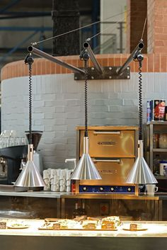 Scratch Restaurant With Retractable 300 Ret Hanson Heat Lamps Ceiling Mounted Amp Retractable