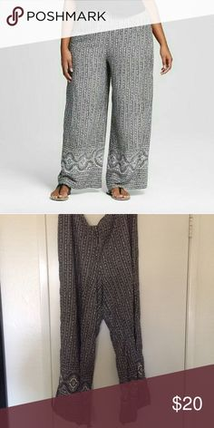 Palazzo pants Soft and flowy! They're a black and cream printed pant. The back of the waistband is stretchy. Very comfortable and lightweight. 100% rayon. Worn once. Ava & Viv  Pants