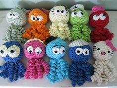 Squids made to premature babies, in a hospital called OUH in Denmark Crochet by Sheila Nielsen