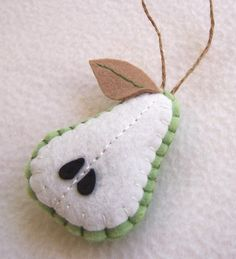 Pear Felt Ornament - love! you could do so many fruits like this too!