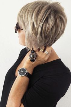 Simple Short Hairstyles for Women Over 50 ★ See more: http://glaminati.com/short-hairstyles-for-women-over-50/ #shorthairstylesover50