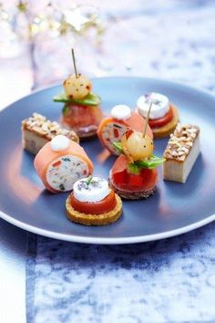 12 aperitif sweets – Aperitif: aperitif recipes for an aperitif Finger Food Appetizers, Appetizers For Party, Appetizer Recipes, Fingers Food, Mini Foods, Appetisers, Party Snacks, Food Inspiration, Food Porn