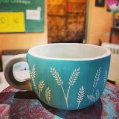 """Fuego Blanco Ceramica on Instagram: """"Trabajos en proceso!  #taller #ceramica #amano #color #clases"""" Sgraffito, Pottery Ideas, Bowls, Indoor, Mugs, Chocolate, Tableware, Creative, Inspiration"""