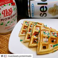 ''Tis the season  for egg nog treats! Thanks to  @muscleeats.proteintreats  #repost  I couldn't wait to open up this Holiday Nog by @califiafarms  Nog Protein Waffle 1 scoop @pescience amazing vanilla select protein  3 tbsp vanilla @muscleegg  1/8 tsp baking powder  1/8 tsp rum flavoring 3 to 4 tbsp @califiafarms Holiday Nog almond milk  Drizzle on top is more Nog mixed with protein powder....and sprinkles.   #wafflewednesday #proteinwaffle #waffles #eggnog #bodybuilding #lowcarb #gymfood…