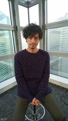 Takumi Saito Asian Actors, Korean Actors, Asian Hair, Japanese Men, Hair Inspiration, Actors & Actresses, Hair Cuts, Men Sweater, Hair Beauty