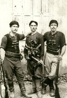 Greek partisans who fought German invaders during the battle of Crete (May I visited a N.Greek village memorial for all the boys and men 11 years and older shot by the Germans in WWII for sabotage activities. Greeks were great fighters. Greek History, World History, Battle Of Crete, Sun Tzu, Second World, Military History, World War Two, Old Photos, Dieselpunk