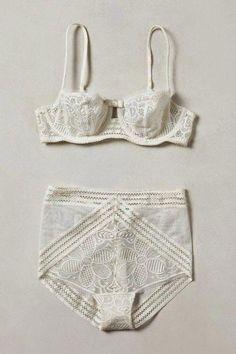 What to wear when not wearing a bikini. Wat te dragen als je geen bikini draagt . Lingerie Vintage, Lingerie Chic, Lingerie Fine, Jolie Lingerie, White Lingerie, Pretty Lingerie, Bra Lingerie, Classic Lingerie, Wedding Lingerie