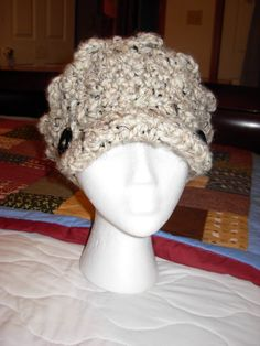 Ladies Newsboy Cap with buttons