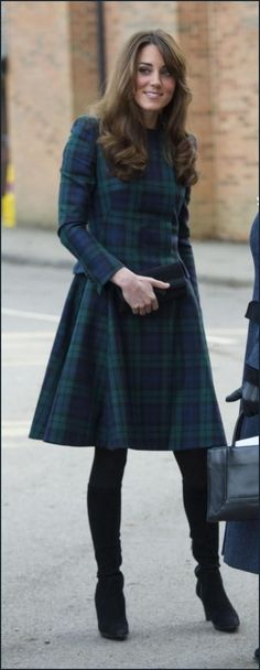 Kate Middleton Green Plaid Dress. I REALLY want a dress exactly like this!
