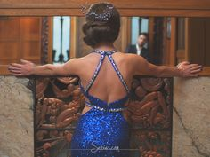 Lady with an attitude and blue crystals shining upon the hair style. #blue #hair #accesories #crystal #shining #lady