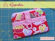 Cupcakes wallet handmade by Pili B