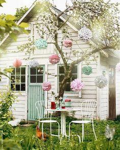 """2,204 To se mi líbí, 29 komentářů – Home & Garden (@buttermilk.rose) na Instagramu: """"🌸🏠🌸 📷: @pinterest #summerhouse #gardenvibes"""""""