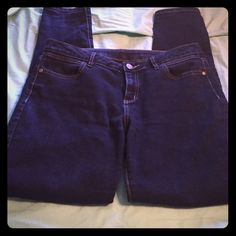 Simply Vera Wang skinny jeans Size 8 skinny jeans. More of a relaxed fit. Would probably fit an 8-10. Worn a few times but still in great condition. Simply Vera Vera Wang Jeans Skinny
