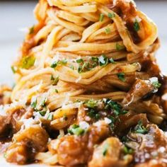 28 Pasta Sauces that Aren't Marinara FEBRUARY 17, 2016 / WRITTEN BY ROCHELLE BILOW We'll always love marinara, but it's time we started seeing other sauces. From vibrantly green pesto to fiery chili oil, these pasta toppers are perfect for when you need a break from the red sauce.