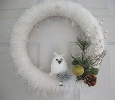 Winter Wreath  ~  use an owl