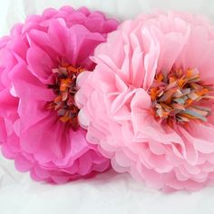 Tissue Paper Flowers – SimplyConfetti.com  Love, Live these beautiful paper flowers! They make such a big statement.