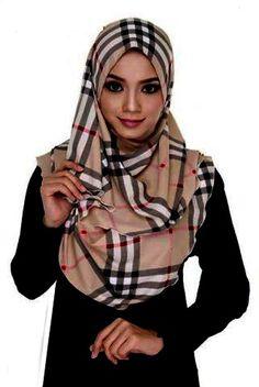Burberry Printed Hijab fashion ideas (20)