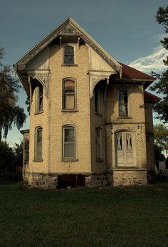 Recently abandoned victorian farmhouse in Boyne Falls, Michigan