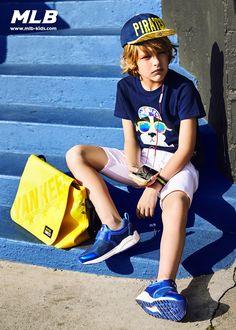 Preteen Boys Fashion, Kids Fashion Boy, Young Cute Boys, Cute Teenage Boys, Style Outfits, Boy Outfits, Swag Style, Cute Blonde Boys, Kids Wear Boys
