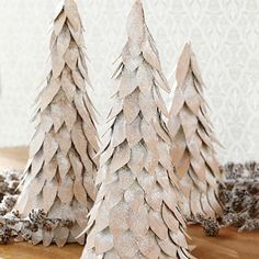Add a little holiday cheer to your home with these festive tabletop DIY Christmas tree decorations! These Christmas tree crafts are fun, easy & kid-friendly Cardboard Christmas Tree, Tabletop Christmas Tree, Cone Christmas Trees, Christmas Tree Crafts, Xmas Tree, Christmas Projects, Christmas Tree Decorations, White Christmas, Christmas Holidays
