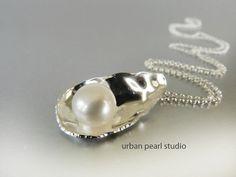 Silver Oyster Shell Pearl Pendant Necklace by UrbanPearlStudio #jewelryonetsy #JetJOD