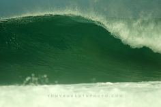 Open faced canvass... REAL artistic surfing expression. www.realsurftrips.com #costarica #playanegra #shootwithtr #surflife
