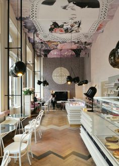 ●Design Cupcake - what a perfect look for a 'girly' place to eat a sweet and have a cup of coffee while chatting the afternoon away.........