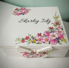 Shabby Chic, Arte Country, Decoupage Box, Diy And Crafts, Flower, Tableware, Handmade, Decorated Boxes, Handmade Crafts