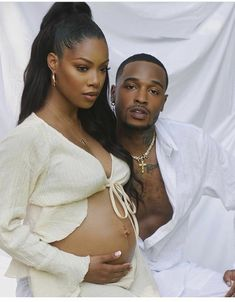 Black Love Couples, Cute Couples Goals, Black Is Beautiful, Girl Maternity Pictures, Studio Maternity Photos, Couple Pregnancy Photoshoot, Pretty Pregnant, Black Relationship Goals, Maternity Photography Poses