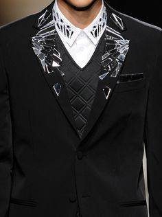 Great collar and lapel treatment.