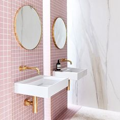 11 Bathrooms That Prove Round Mirrors Are the Trendiest of Them All