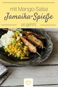 Schnell was Leckeres: wie wäre es mit würzigen Hähnchen-Spießen mit Mango-Salsa und Reis?