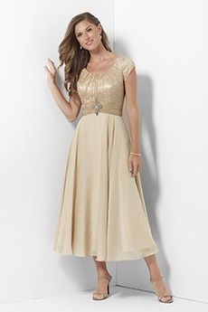 A-Line/Princess Scoop Tea-length Chiffon Mother of the Bride Dress